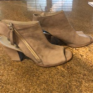 Paul Green side zip shoes